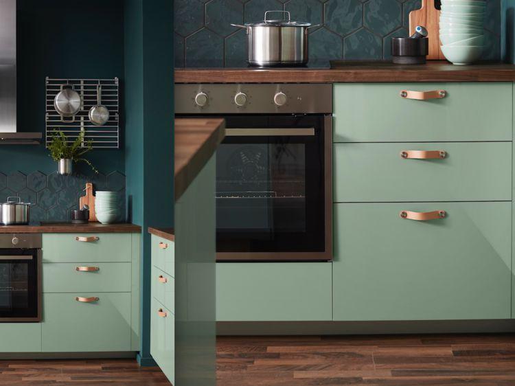 Le Vert Est Une Couleur Inhabituelle Dans La Cuisine Et Pourtant C Est Vraiment Une Bonne Idee Car Cela Cree Une A Cuisine Verte Cuisine Ikea Meuble Cuisine