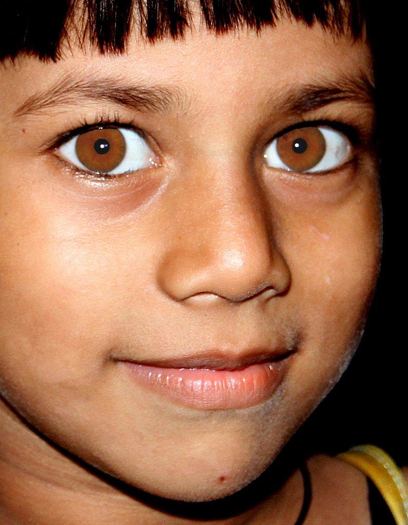 один самые желтые глаза в мире фото отмасфера