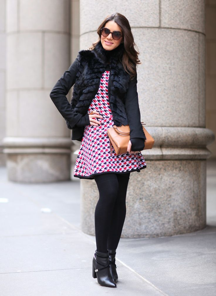 4442fad31 Muitas mulheres ficam na dúvida se podem usar seus vestidos e saias longas  no Inverno e a resposta é sim! Para aproveitar seus vestidos leves e saias.