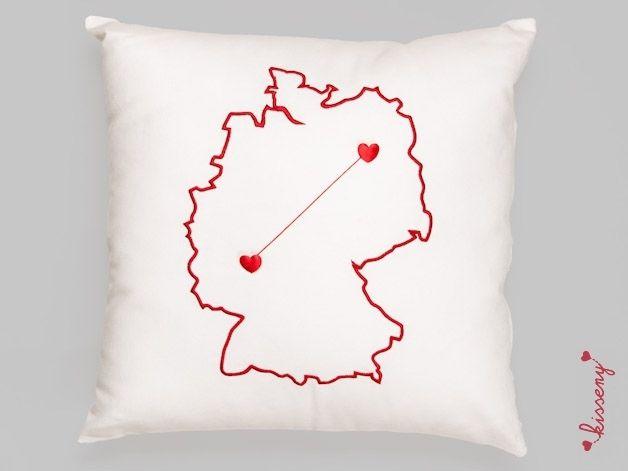 accessoires kisseny deutschland wei rot ein designerst ck von kisseny bei dawanda. Black Bedroom Furniture Sets. Home Design Ideas