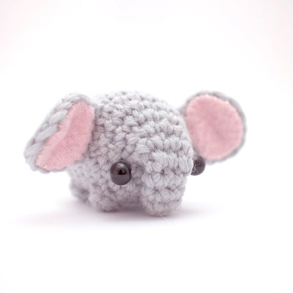 Crochet elephant pattern - easy amigurumi pattern | Peluches a ...