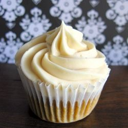 Condensed Milk Buttercream Frosting 1 2 Cup Shortening 1 2 Cup Butter 14 Ounces Sweetened Condensed Milk 5 Teaspoons V Coffee Cupcakes Vietnamese Dessert Food