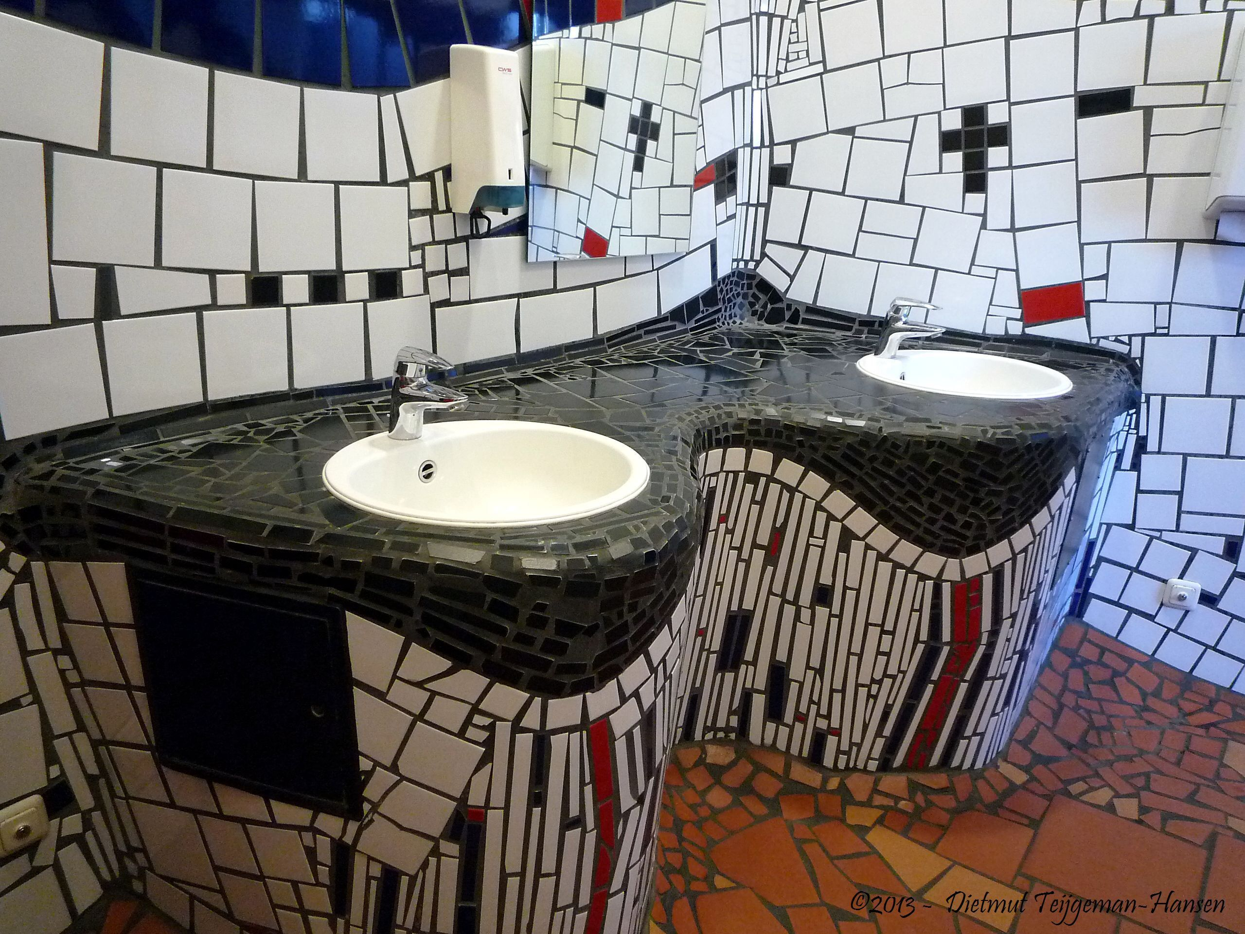 hundertwasser interior - google search | hundertwasser, Badezimmer gestaltung
