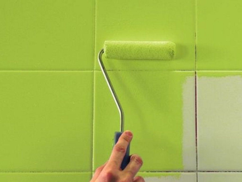 Truco para renovar nuestra cocina pintar azulejos for Pintar baldosas cocina