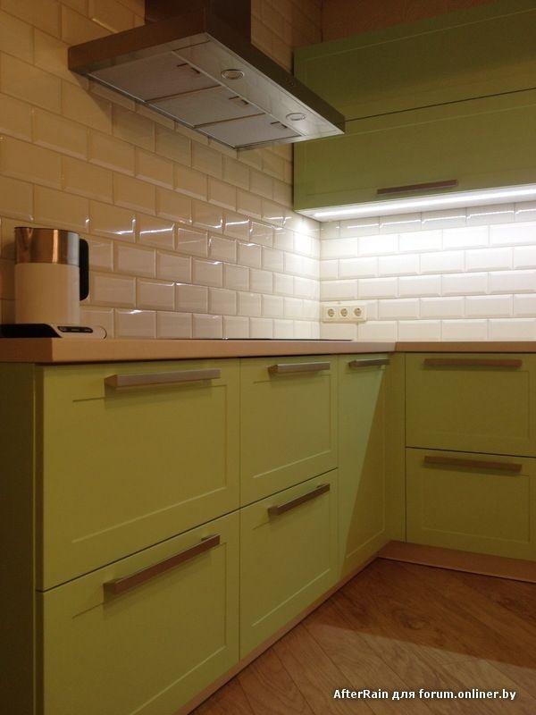 Дизайн салатовой кухни 13 кв.м с фартуком из плитки ...