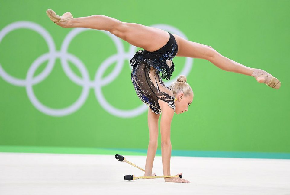 художественная гимнастика -спорт и музыка, и балет, и мода ...