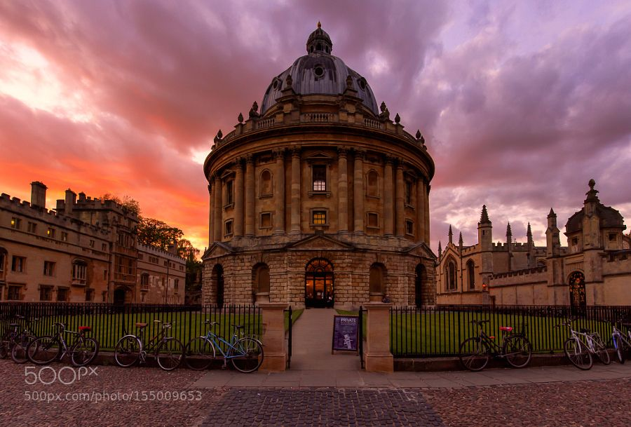 Radcliffe Camera at Sunset by rjdavies30