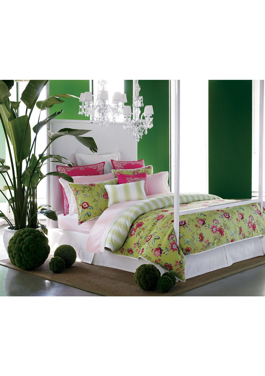 Deep Green Of Wall Offsets Tones Floral