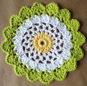 Moon Flower Dishcloth pattern. Free.