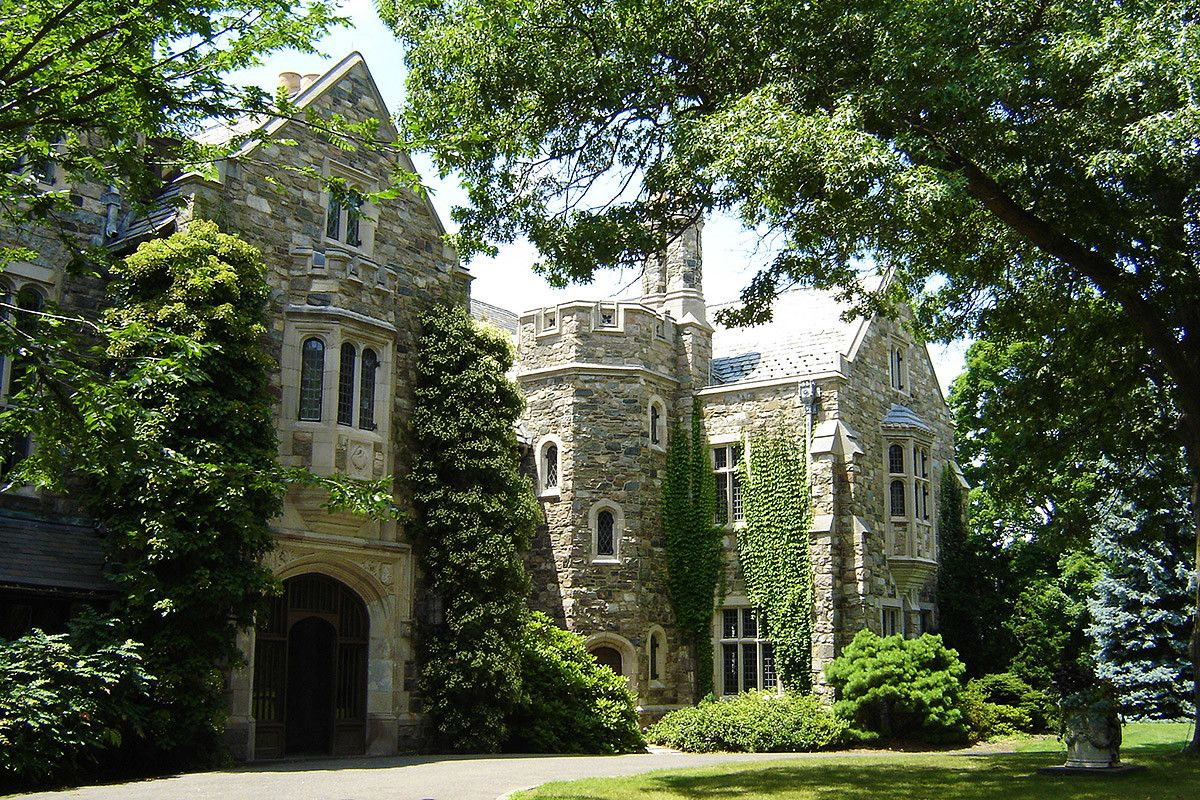 18 FairyTale Castle Wedding Venues in America (With