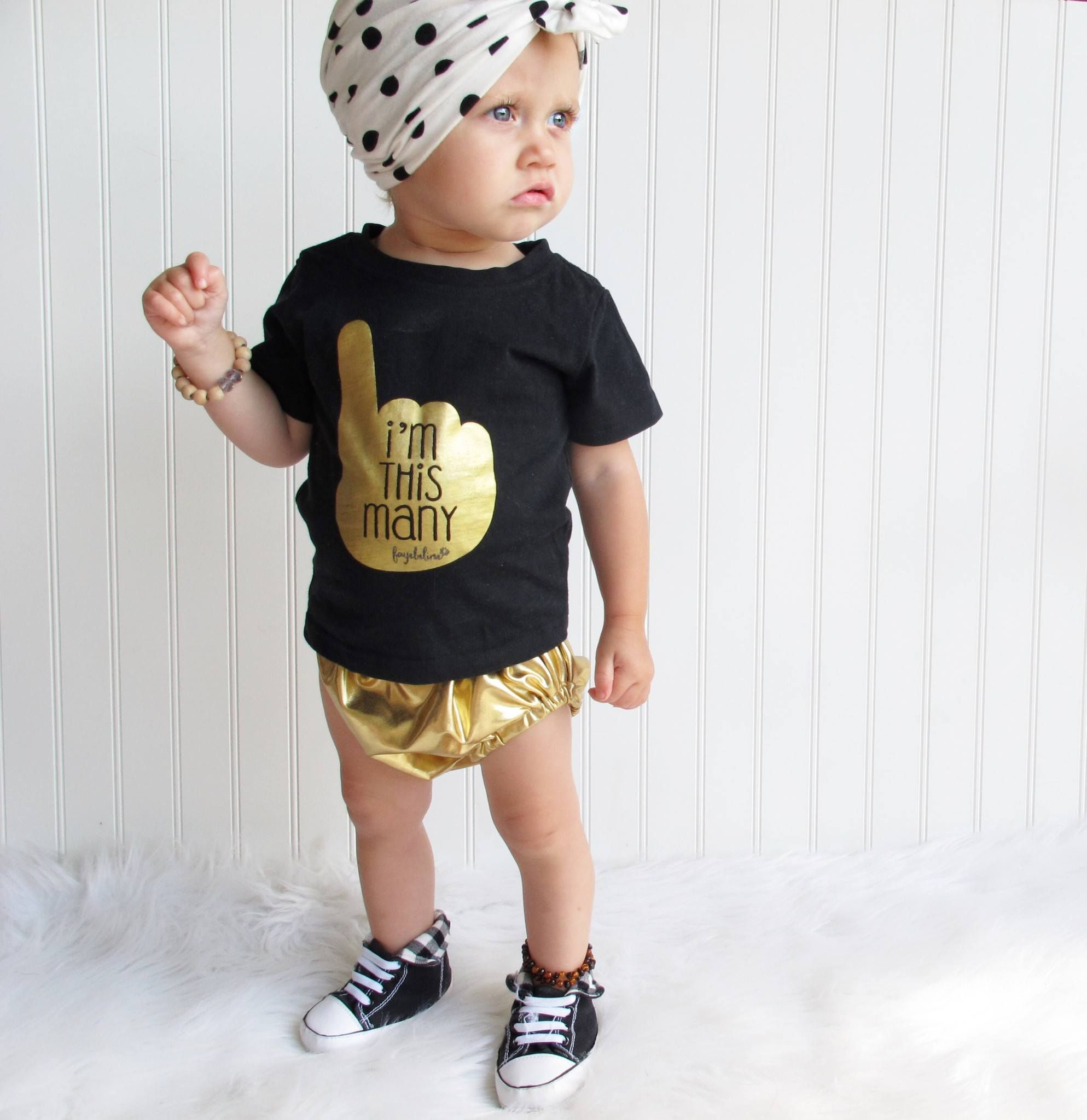Im This Many One Year Old Birthday T Shirt Black Gold Foil Boy Or Girl