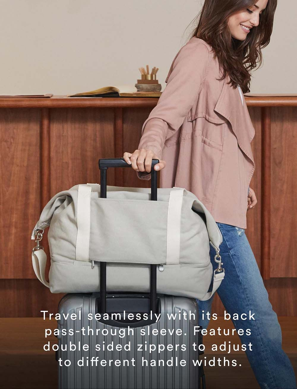 The deluxe edition of our Catalina weekender bag. An ultra lightweight and super spacious travel bag, now with additional features for seamless travel.