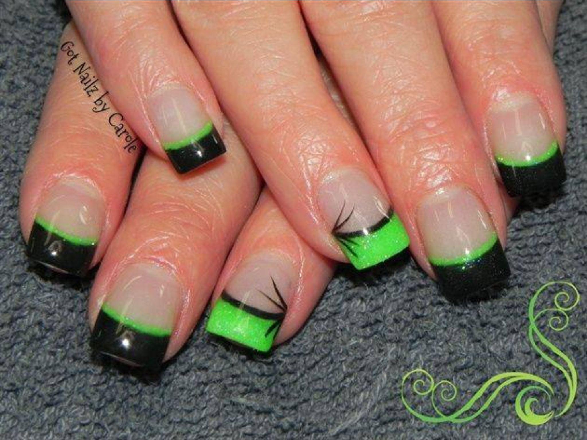 green and black nail art nails