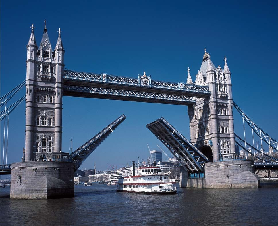 Next Time Youre Staying At The Halkin Or Metropolitan London Hop On A Sunny Thames River Tour To See Some Of Londons Most Famous Landmarks