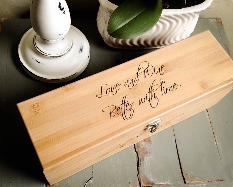 Going to a wedding soon? Custom engraved wine box. Code 5off25 for $5 off. #engravemethis #personalizedgift #wedding
