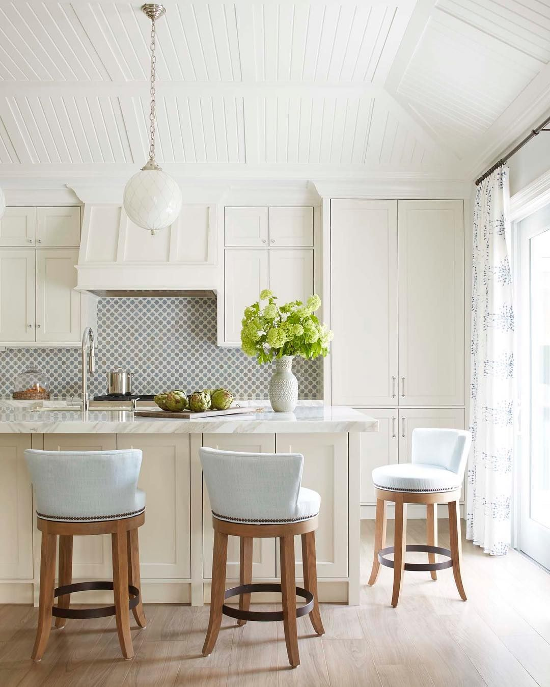 Dreamy Palm Beach Kitchen As Seen In Luxe Magazine Off White Kitchen Cabinets Painted Kitchen Cabinets Colors Off White Kitchens