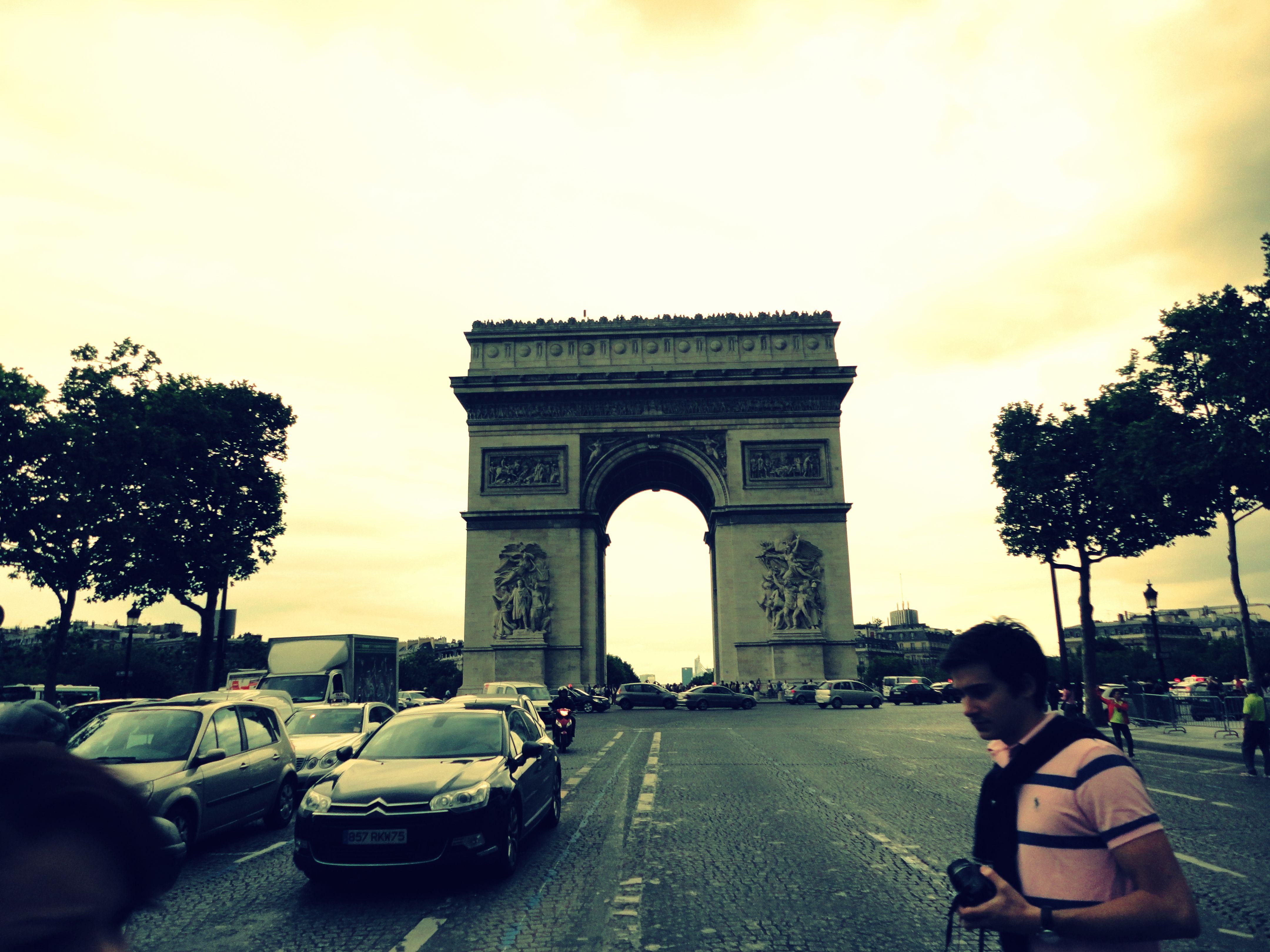 Arco del Triunfo/Campos Eliseos/Paris/Francia
