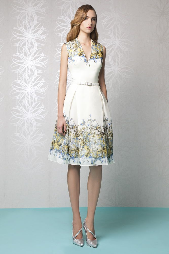 2314356f16d3 Knee-length Off-White A-line dress in printed Organza
