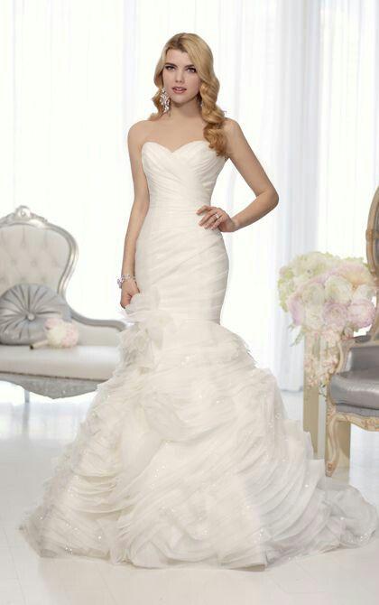Vestido de novia estilo sirena y con corte imperio
