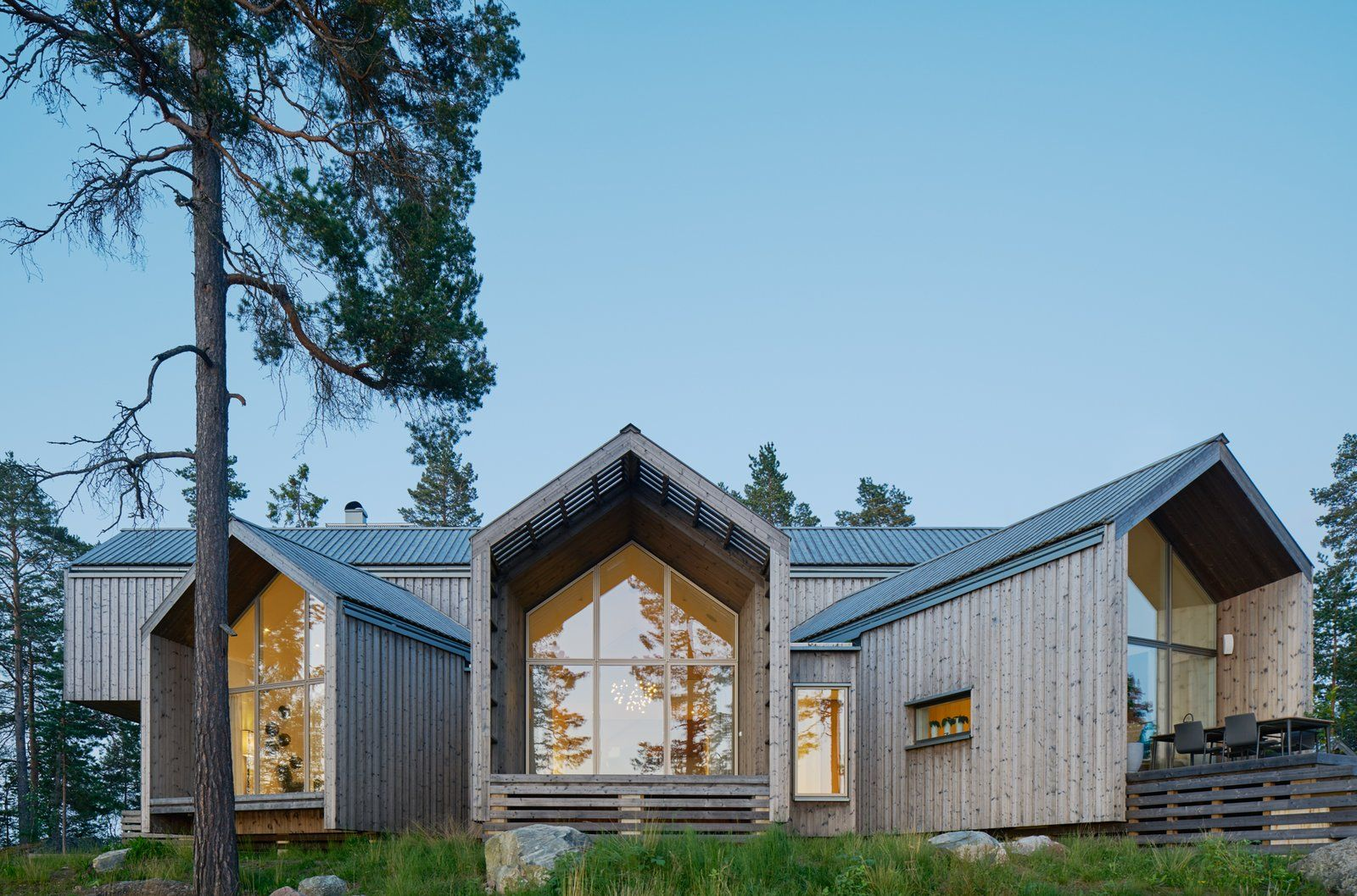 A Swedish Family S Dreamy Villa Fans Out For Lakeside Views Scandinavian Architecture Rural House Exterior Design