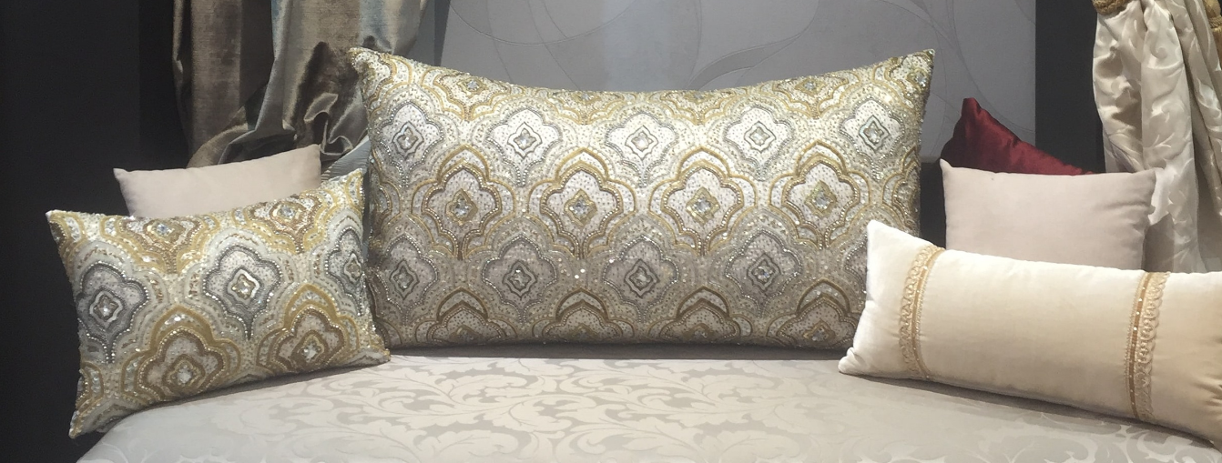 Coussin beige salon marocain amenda decor salons modernes pinterest coussin beige - Decoration coussin design ...