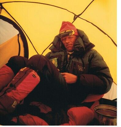 A.Boukreev,Everest'96, In the assault camp, after trying to save Scott Fisher