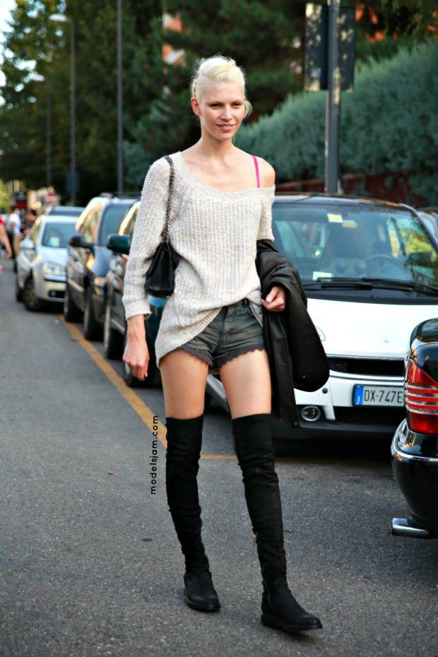 Model Aline Weber. Street style from Milano, September 2012