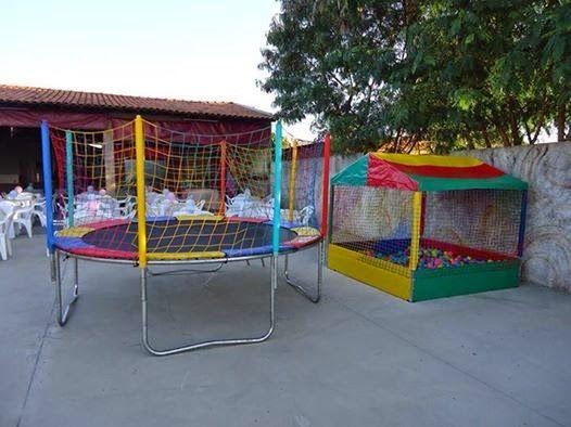 Aluguel De Brinquedos Infantis E Animadores De Festas Piscinas De