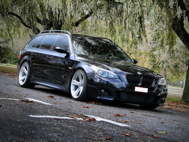 Bmw M340i Xdrive Touring Kompakter Power Kombi Mit 374 Ps Bmw Touring Bmw Compact Schwarze Autos