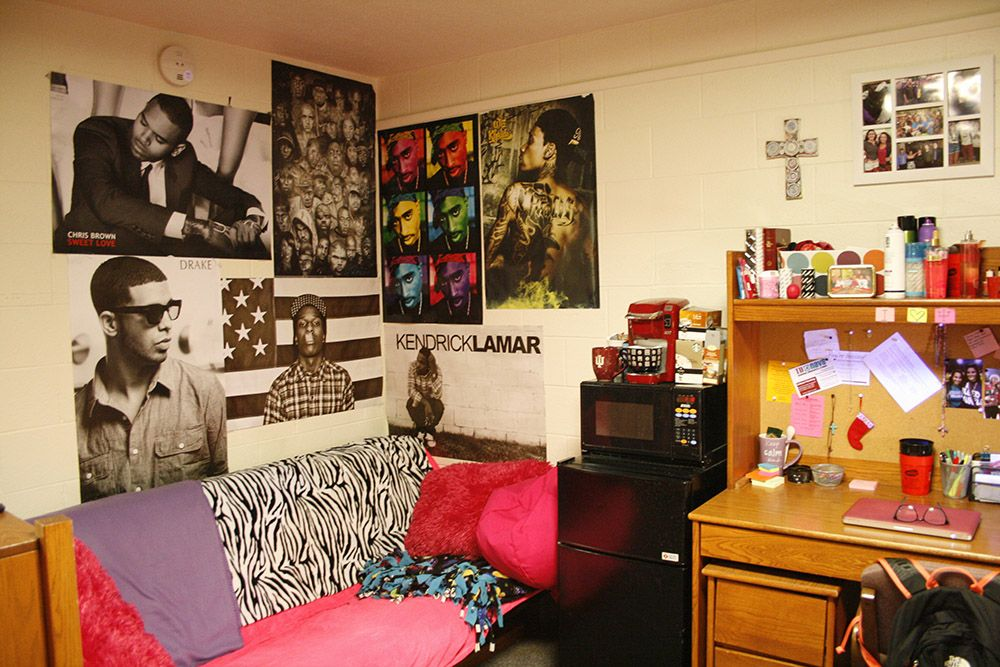 Posters are a great way to express yourself and decorate your room! | Decorate your room