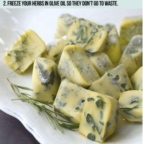 Congela ervas com azeite ou mantiga