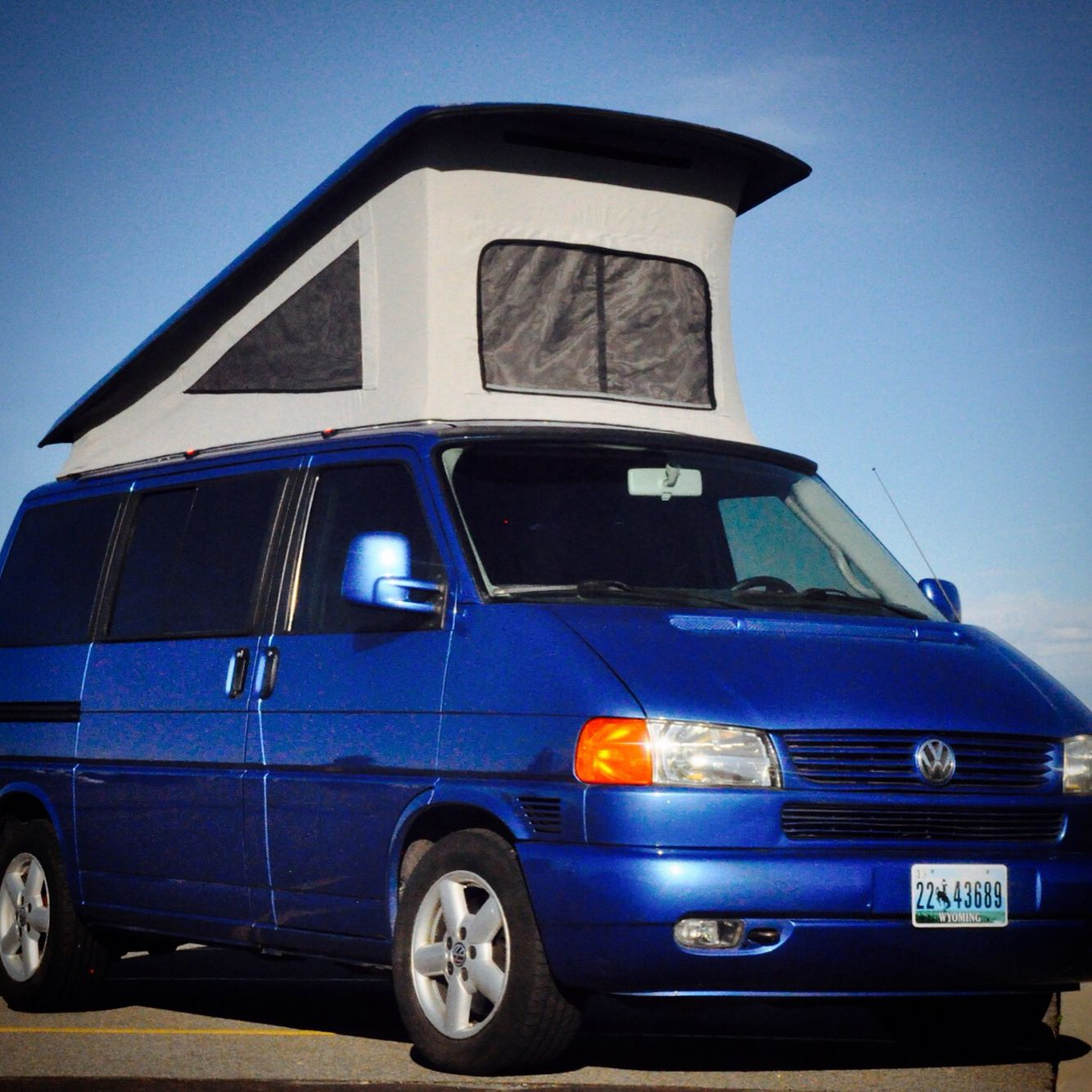 custom built eurovan mv converted to westfalia weekender poptop rear ac dual zone climate control vinyl floors custom carbon fiber bits etc etc [ 1334 x 1334 Pixel ]
