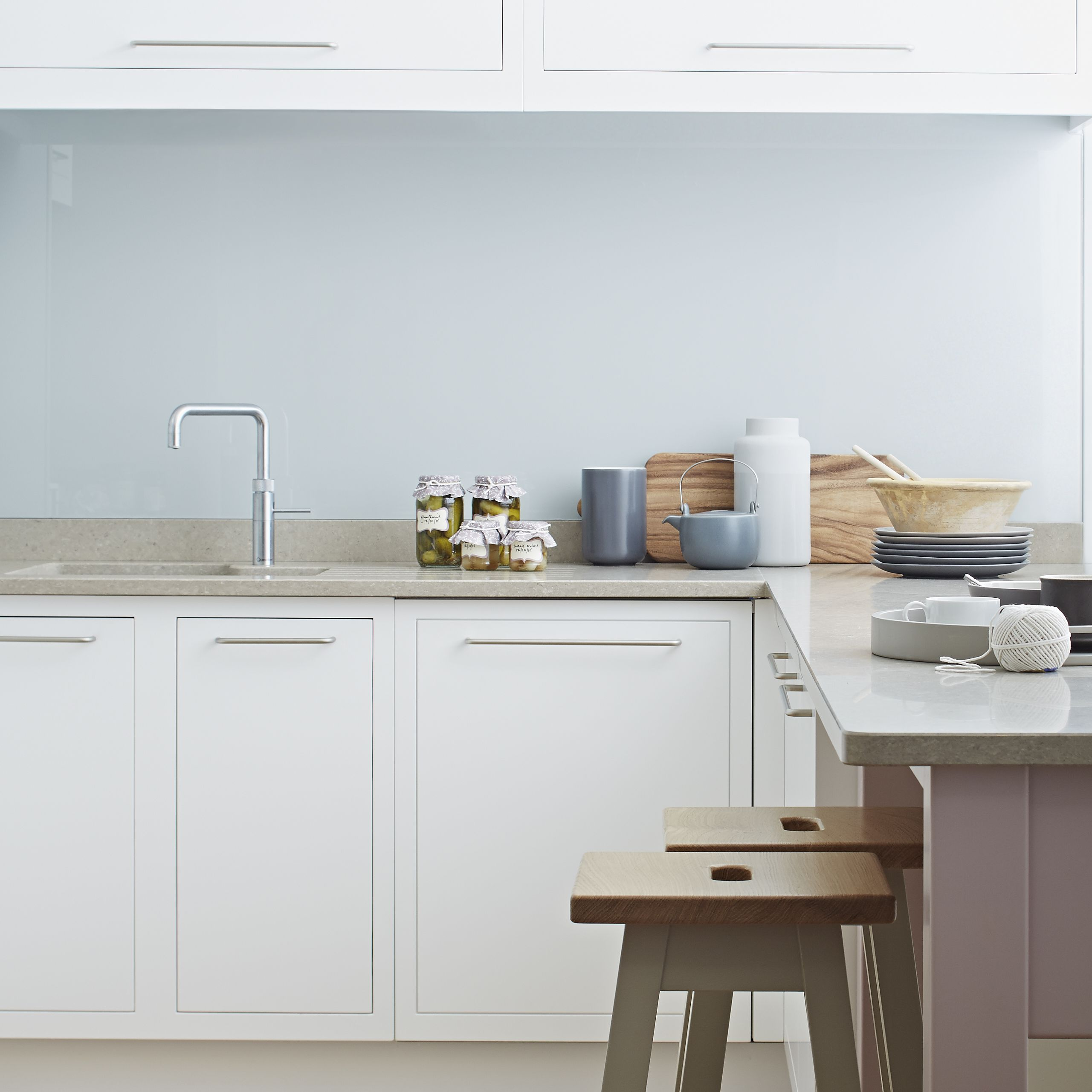 Simple design with understand skinny handles - Urban kitchen from ...