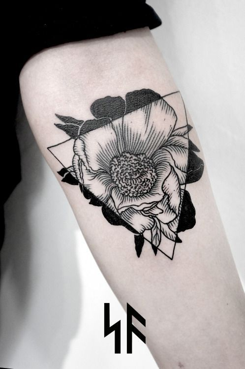 Resultat De Recherche D Images Pour Tatouage Fleur Geometrique