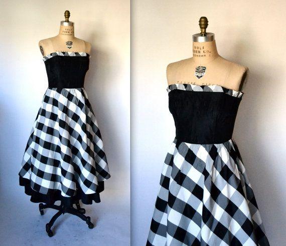 11cb827f6cb 80s Prom Dress Gunne Sax Jessica McClintock Black by Hookedonhoney  Vintage   80spromdress  80sprom  80svintage  80spartydress  blackandwhite  gogreen  ...