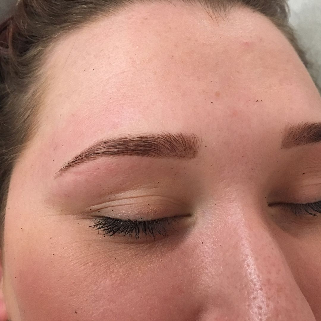 Naturally Sparse And Thin Brows Go Hand In Hand With Henna Everyone