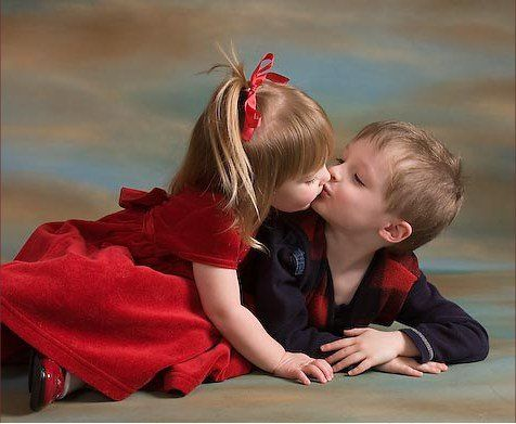 Girl Kissing Boy Kids Kiss Cute Baby Couple Cute Baby Pictures
