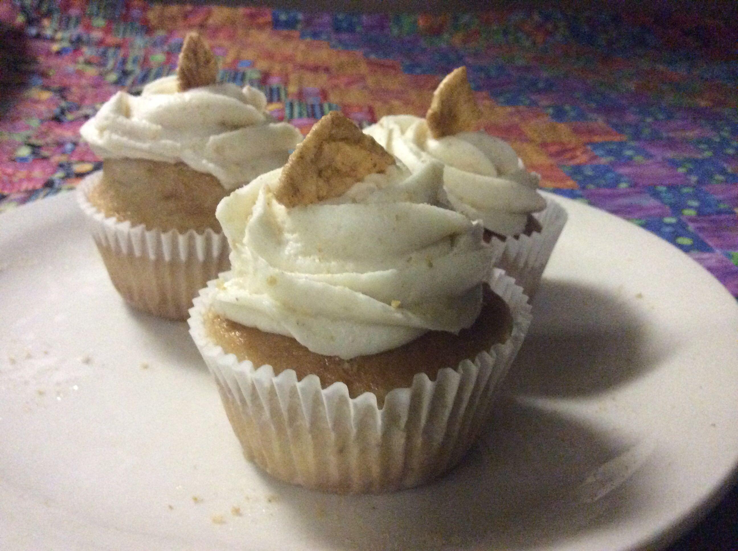 Cinnamon toast crunch cupcake desserts cinnamon toast