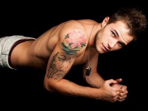 Tatouage Fleur De Lotus Epaule Homme Tattoo Hombros Pinterest