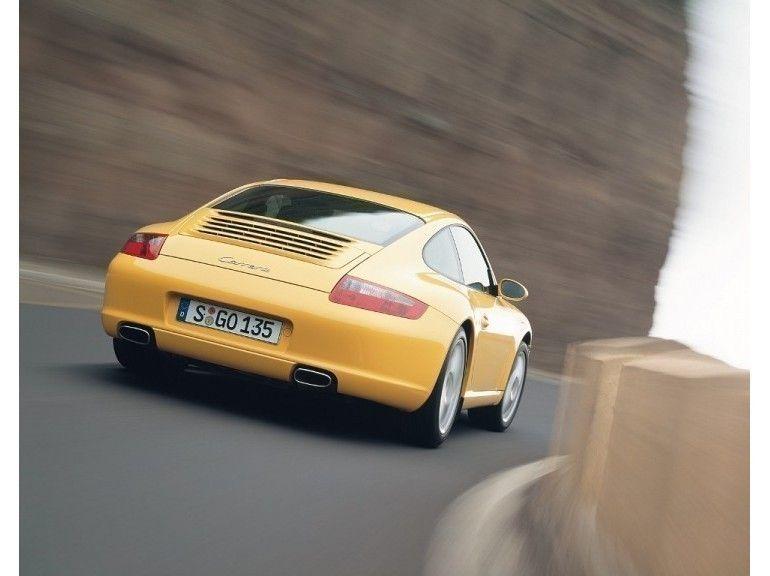 Porsche 911 Carrera (Type 997) - 2005 - Yellow