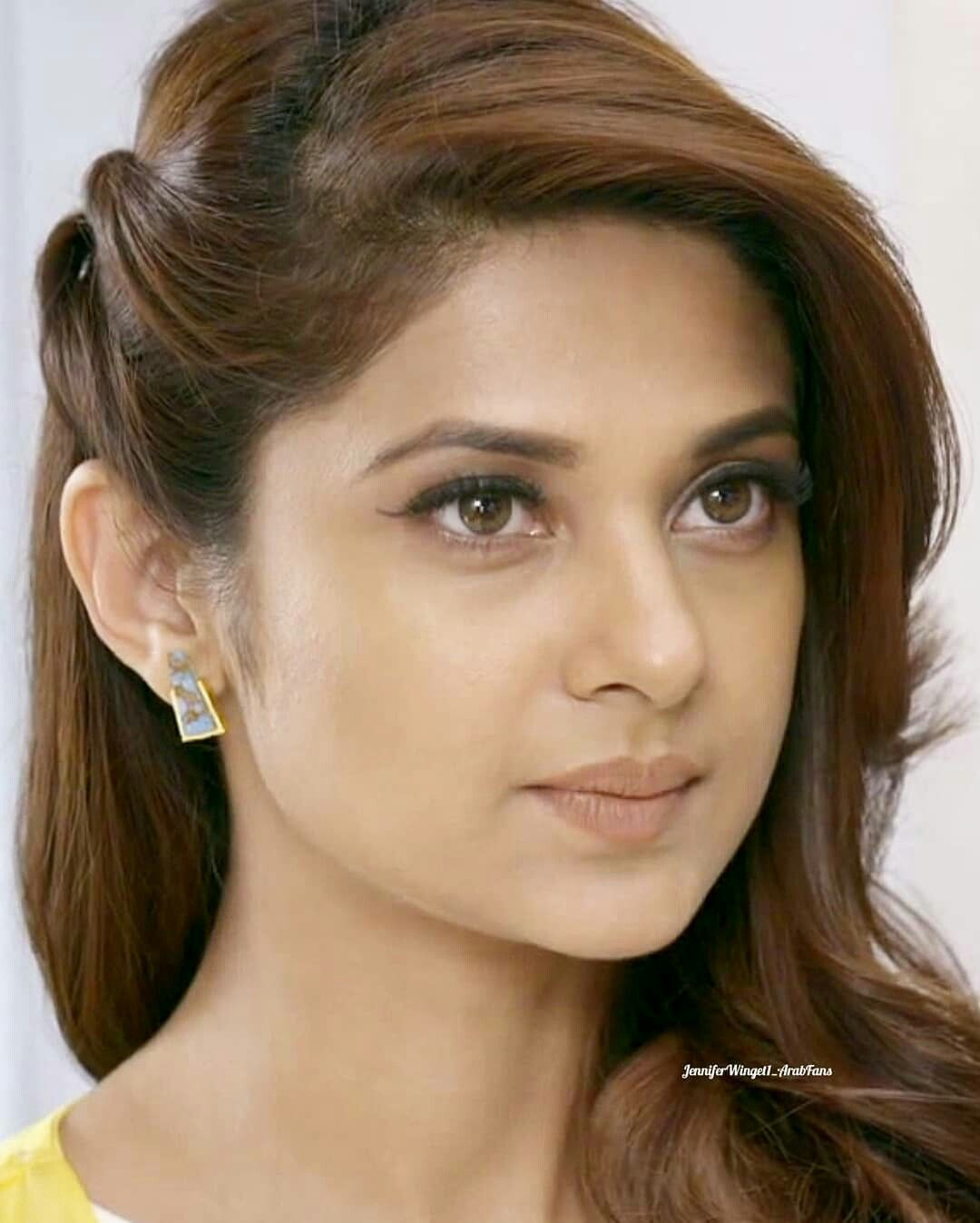 Pin By Adriana Isabel On Beutiful Face Long Hair Wedding Styles Hairstyles For Medium Length Hair Easy Jennifer Winget