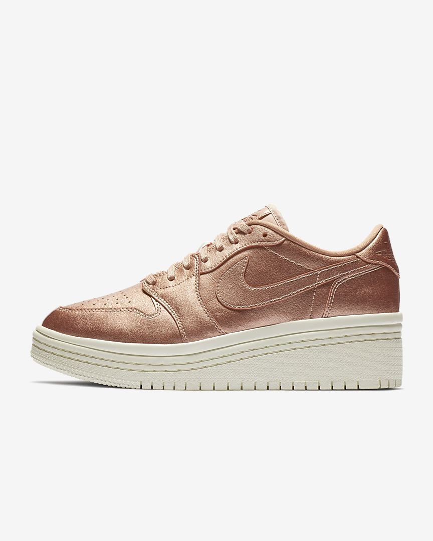 3b7352cbfcd4c Air Jordan 1 Retro Low Lifted Women s Shoe