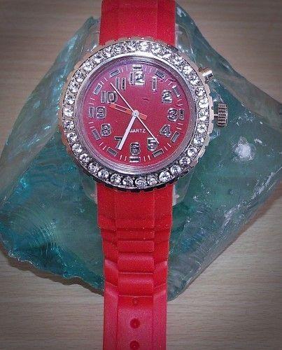 Silikon Uhr Unisex mit Strass Steine und Led Licht von Schmuck zauber & Handgemachtes und viel mehr so wie deko und klamotten :) & & & :D auf DaWanda.com