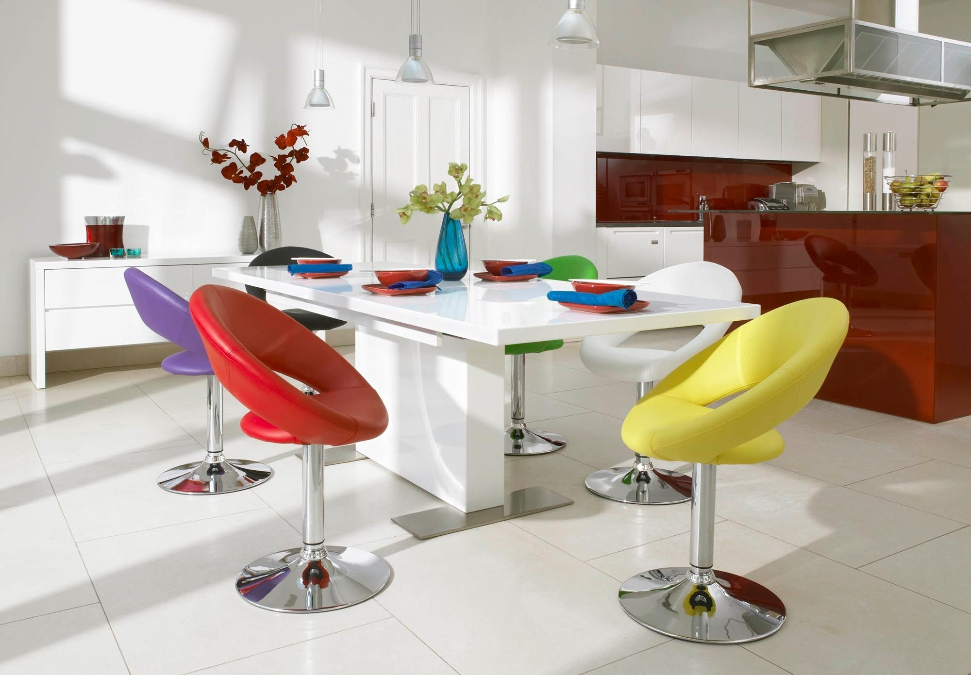 dining table and 4 plump chairs tank dining room furniture