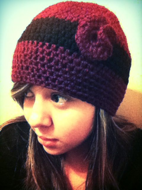 Cute knit hat! Love the simple flower