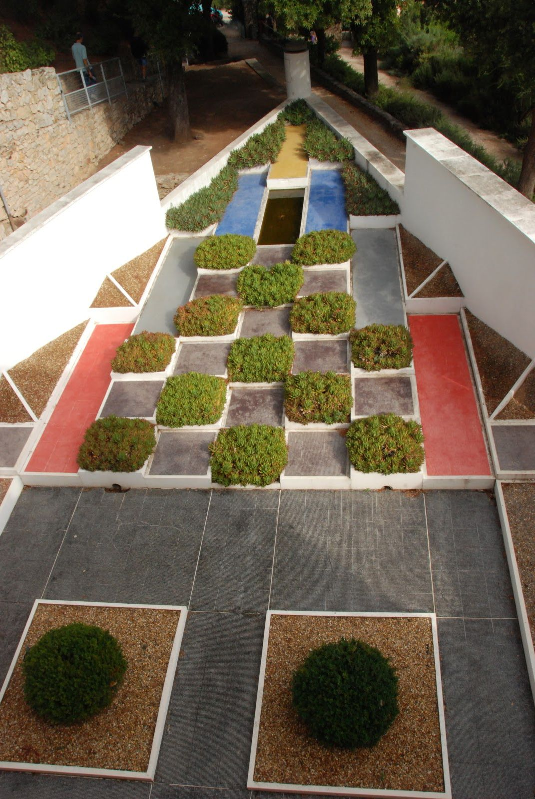 The Cubist Garden of Villa Noailles in Hyères, France by Gabriel ...