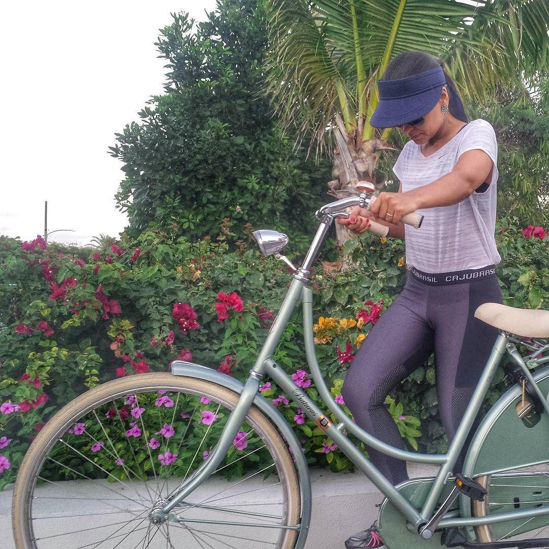 Ride a bike! Vamos aproveitar o fim do dia para queimar umas calorias  pq para a mente de férias todo dia é sábado mas para o corpo todo dia é segunda feira  by menuviagem