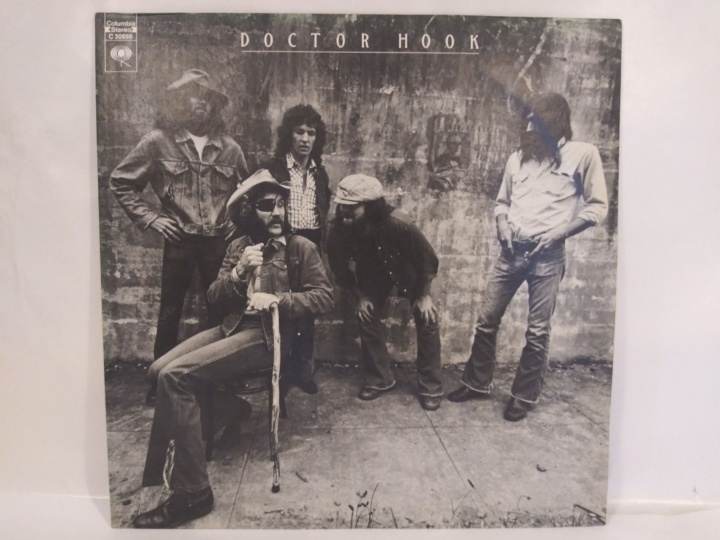 Dr Hook And The Medicine Show Near Mint 1st Pressing Vinyl Record In 2020 Vinyl Records Vinyl Medicine