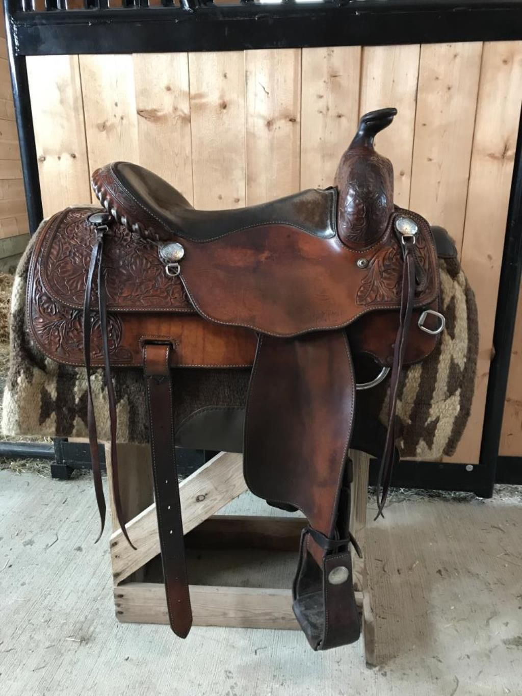 Vic Bennett 16 Saddle For Sale Comfortable Good Looking Working Cow 16 Vic Bennett Western Saddle Does Not Fi Western Saddle Cute Horses Saddles For Sale