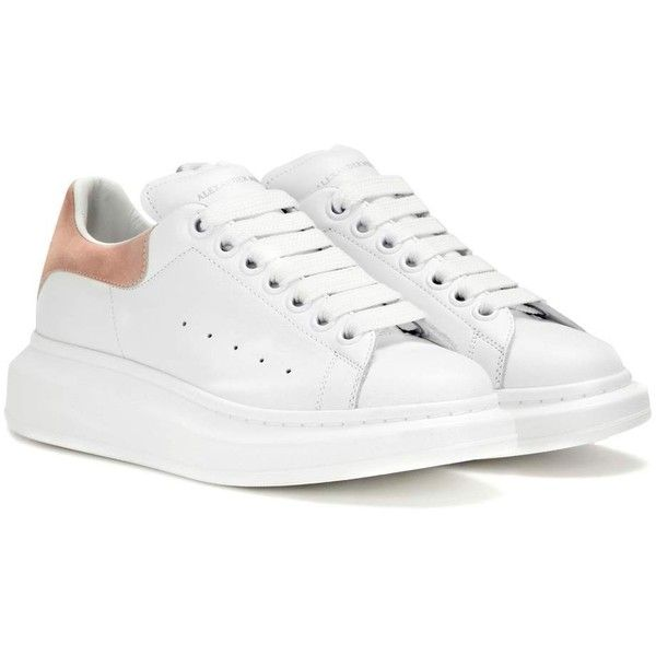 Alexander McQueen Leather Sneakers (3 435 SEK) ❤ liked on Polyvore featuring shoes, sneakers, white, white shoes, alexander mcqueen, white trainers, leather shoes and real leather shoes